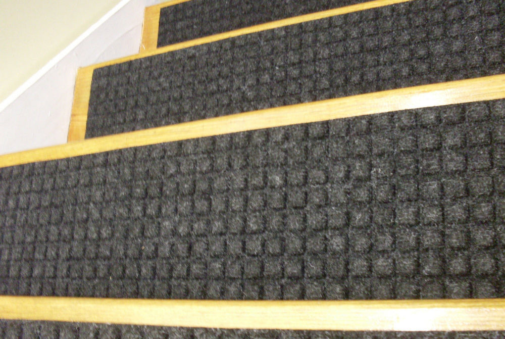 Image of: Outdoor Stair Treads Black