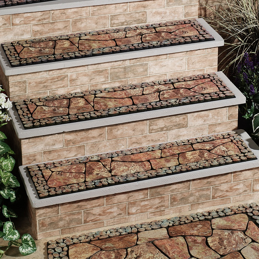 Image of: Outdoor Stair Treads Ideas