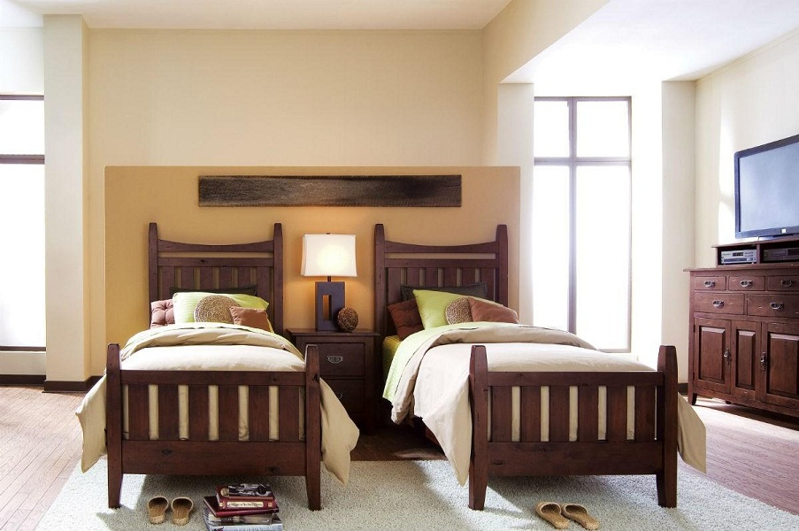 Image of: Solid Wood Twin Bed Frame