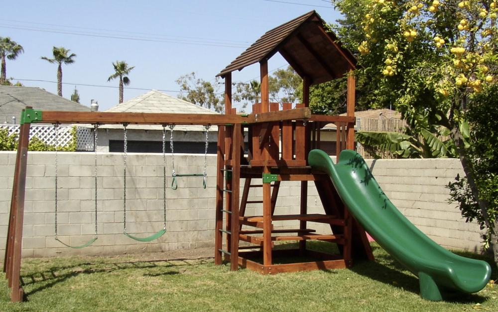 Image of: Traditional Outdoor Playsets