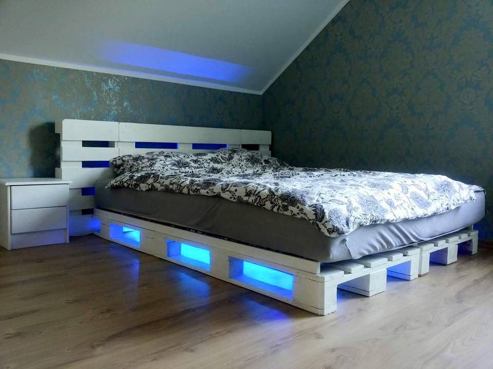 Awesome Beds Made Out Of Pallets