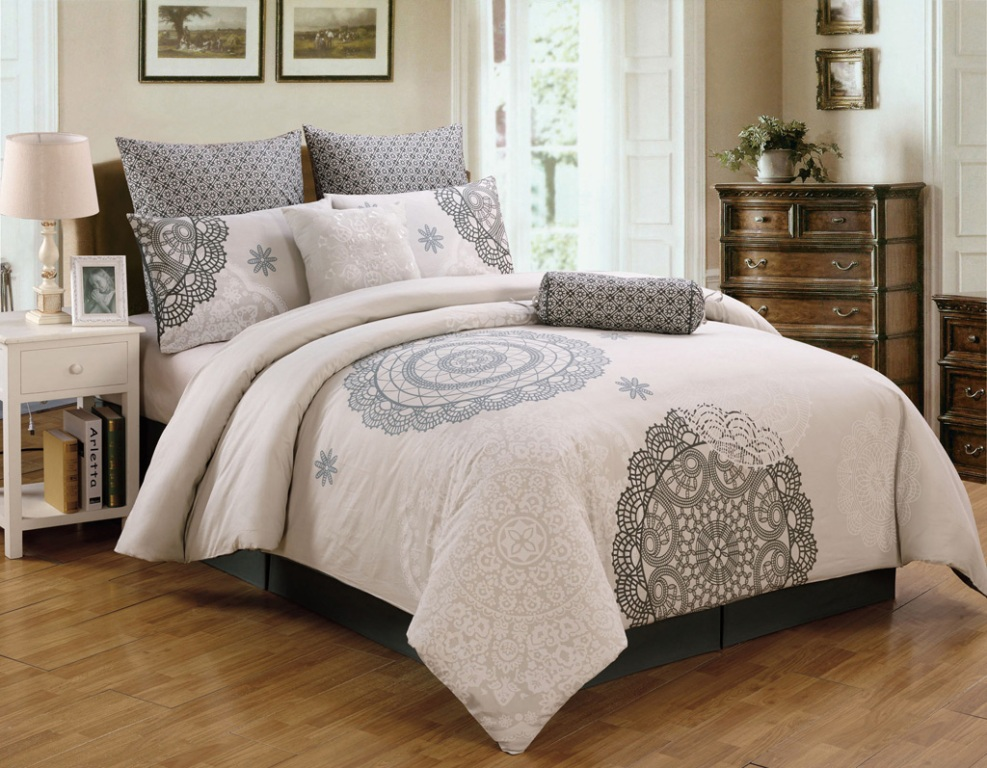 Image of: Bedding Sets King Clarence