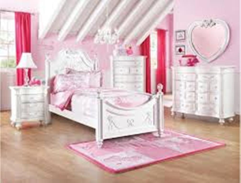 Image of: Castle Disney Princess Bedroom Furniture