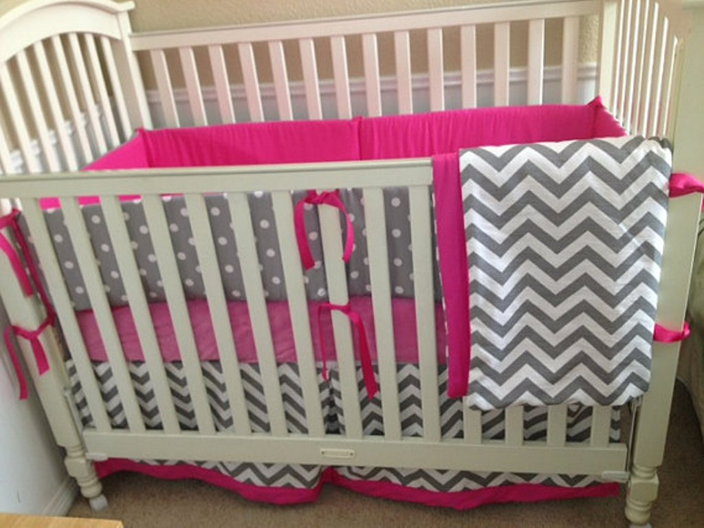 Image of: Chevron Baby Bedding Ideas