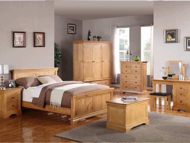 Image of: Contemporary Solid Oak Bedroom Furniture