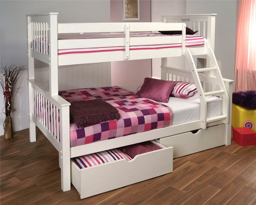 Image of: Decorating Loft Beds for Small Rooms