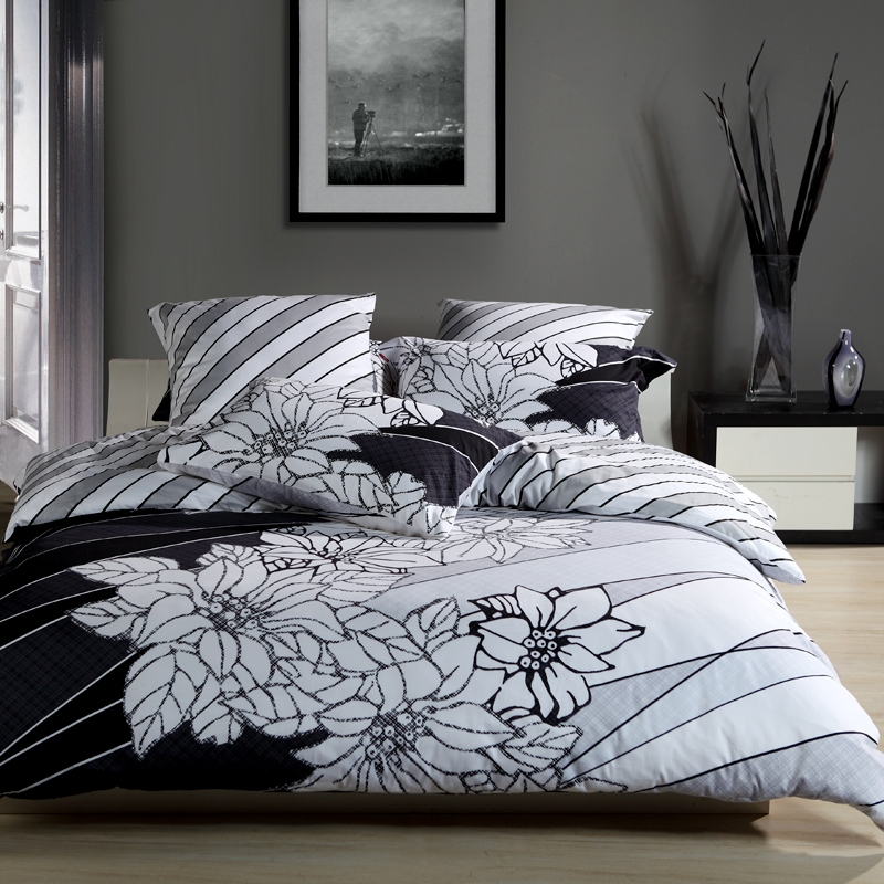 Image of: Dorm Room Bedding Sets Black White Flower