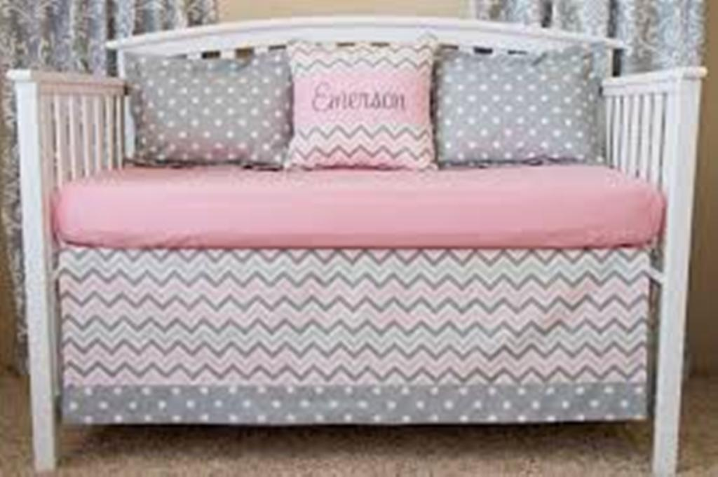 Image of: Elephant Chevron Baby Bedding