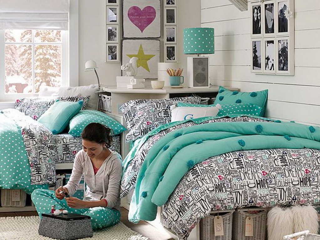 Image of: Girls Bedding Sets Twin Blue and Coral