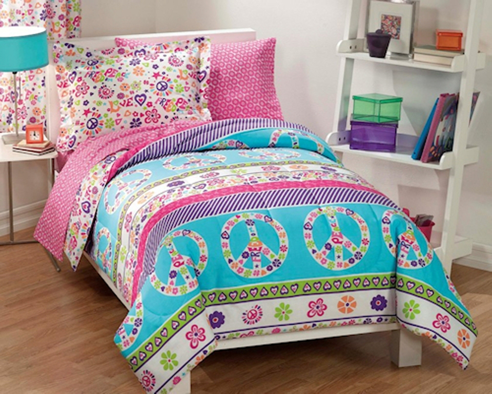 Image of: Girls Bedding Sets Twin For Daybeds
