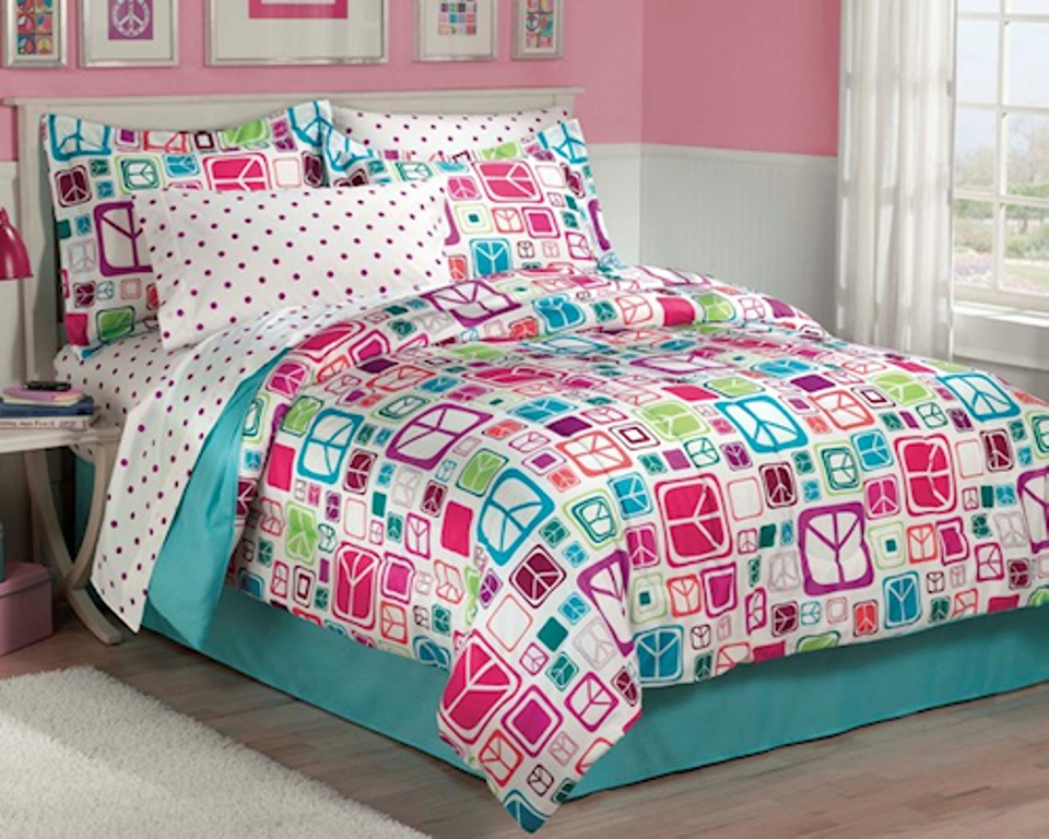 Image of: Girls Bedding Sets Twin Quilt