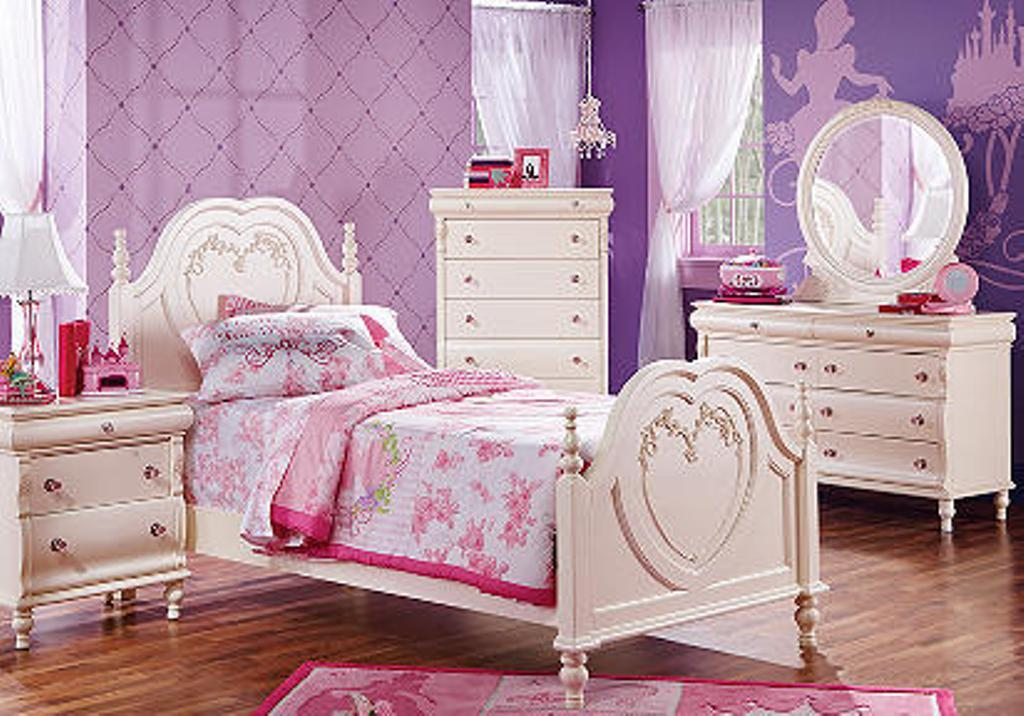 Image of: Girls Disney Princess Bedroom Furniture Sets