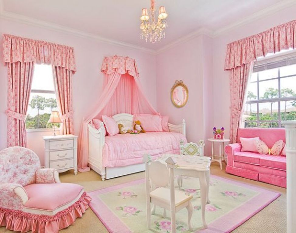 Image of: Girls Disney Princess Bedroom Furniture