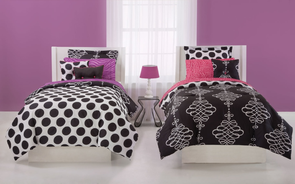 Image of: Girls Twin Bedding In Pink