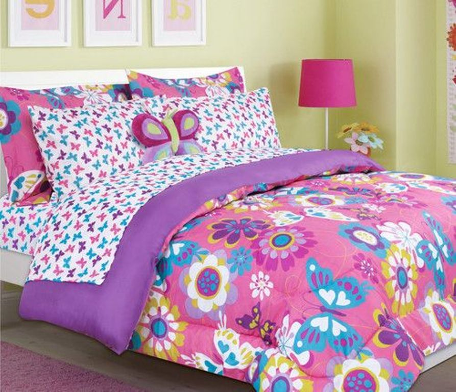 Image of: Girls Twin Bedding Set