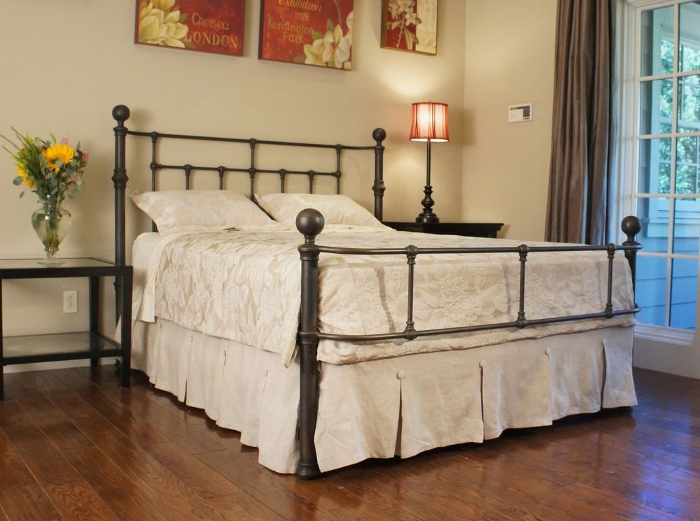 Image of: Metal Queen Bed Frame Bronze Color