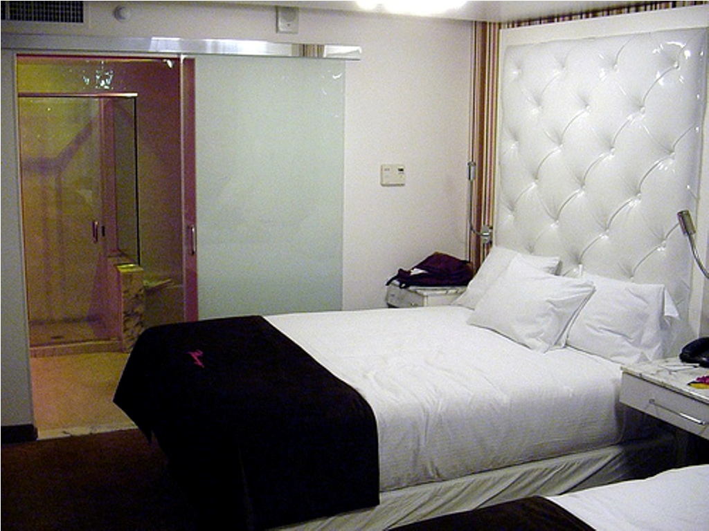 Image of: Padded Headboards and Frames for Beds