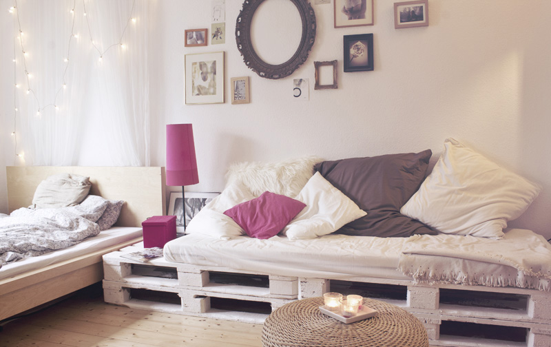 Image of: Pallet Furniture Bed Designs