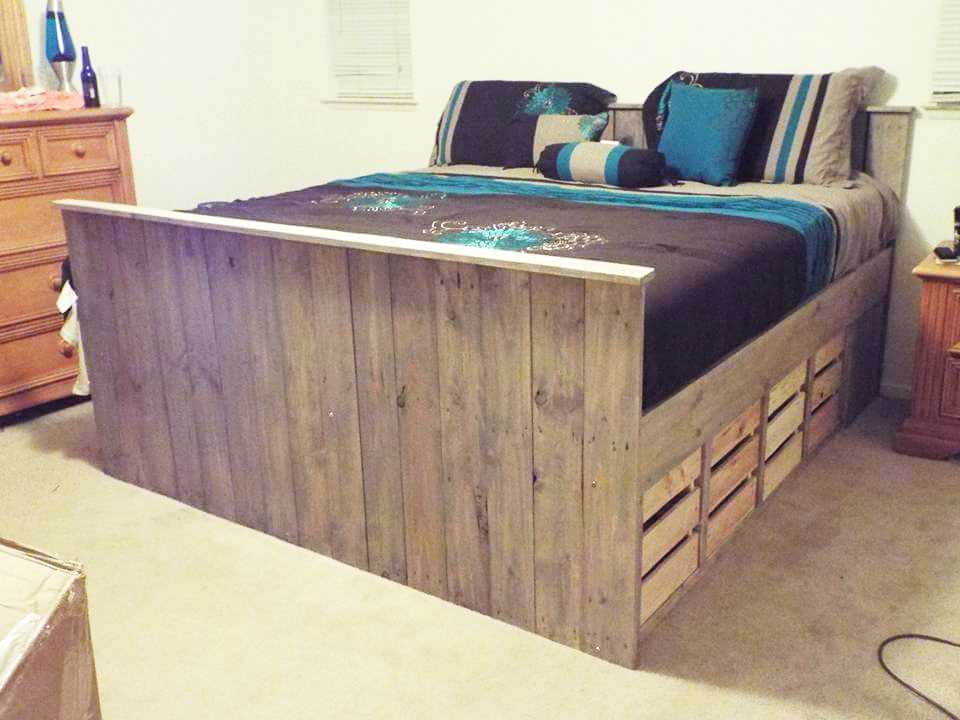 Image of: Pallet Furniture Bed Storage