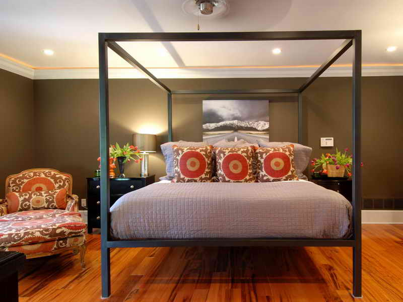 Image of: Queen Bed Frame Squere