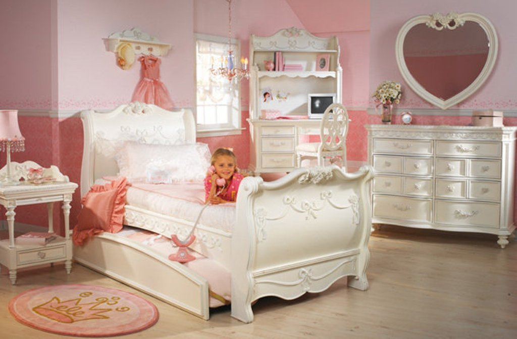 White Disney Princess Bedroom Furniture