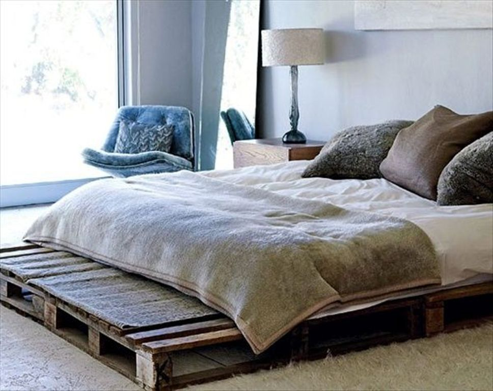 Image of: Wooden Pallet Bed Frame Ideas
