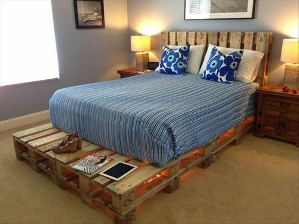 Image of: Wooden Pallet Bed Frame Projects