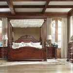 Best King Canopy Bed Style