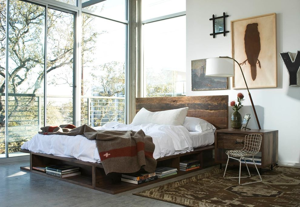 Image of: Classic King Size Bed Frame with Headboard