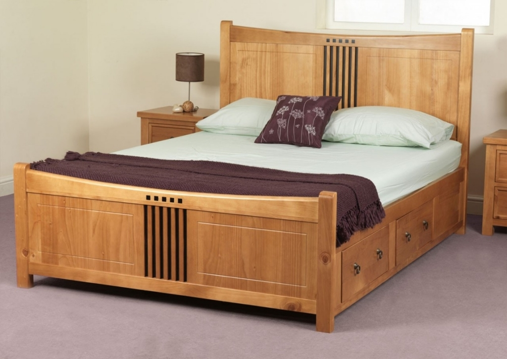 Image of: Classic King Size Bed with Drawers