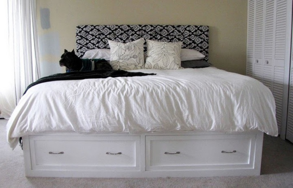 Image of: Diy King Bed Frame With Drawers