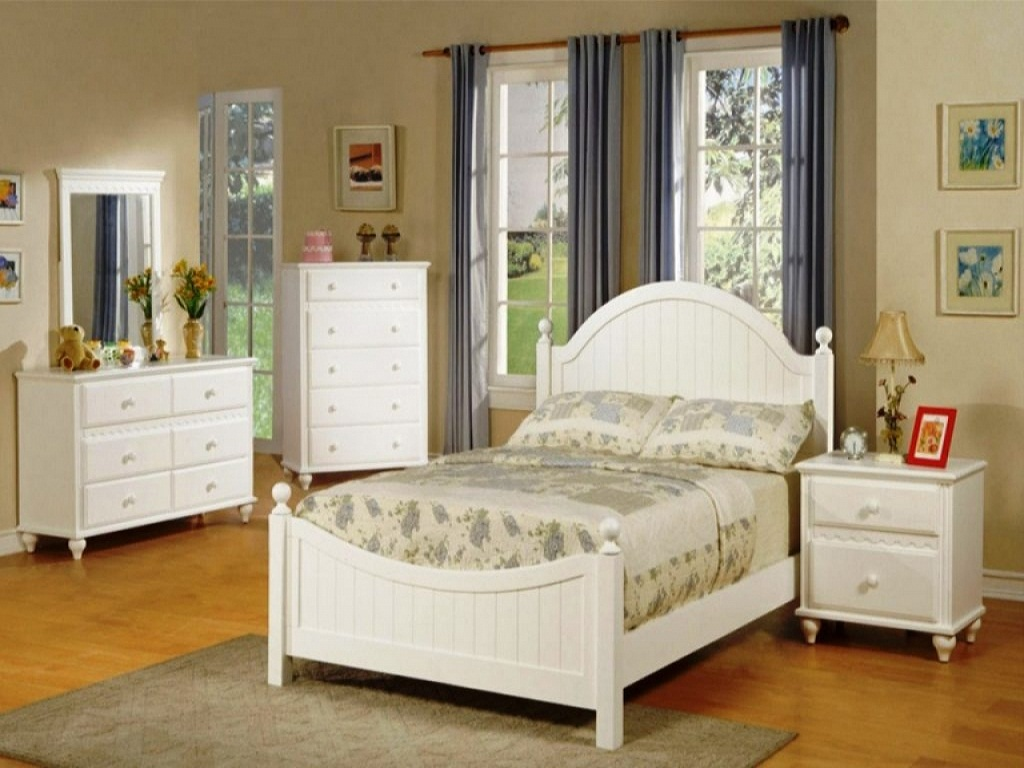 Image of: Elegant Bedroom Ideas For Young Adults