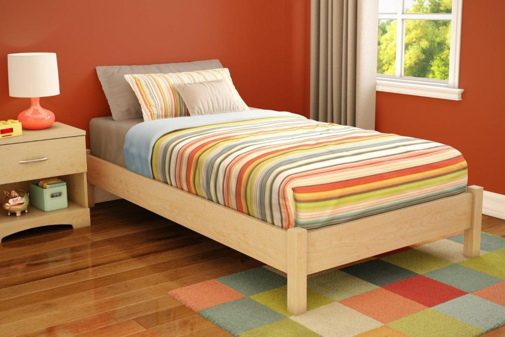 Image of: Good Wood Twin Bed Frame