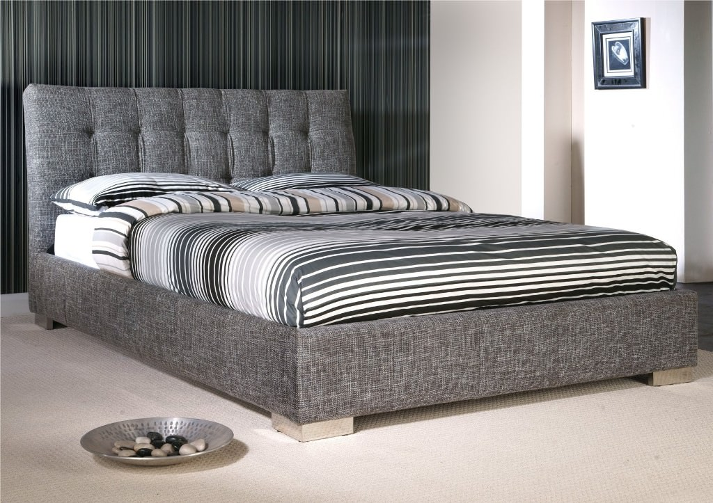 Image of: Grey King Size Upholstered Bed