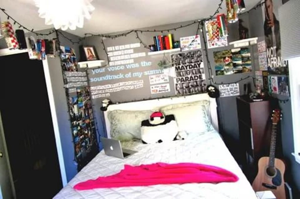 Image of: Indie Themed Bedroom Ideas