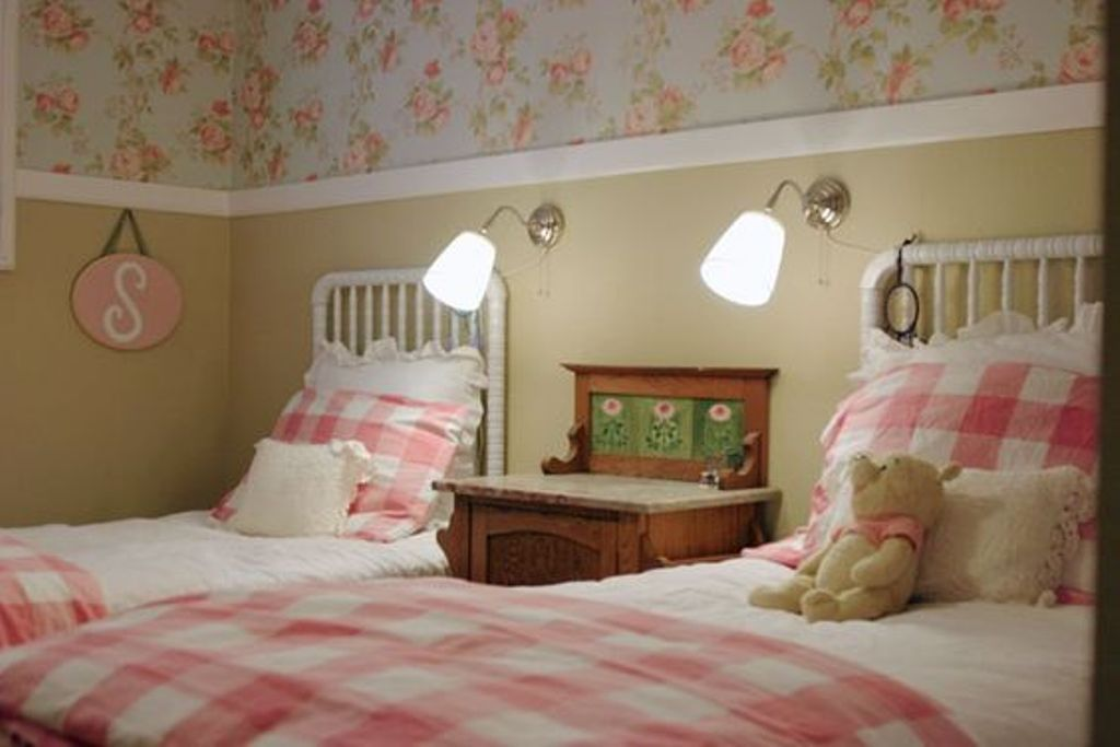 Image of: Jenny Lind Twin Bed Black