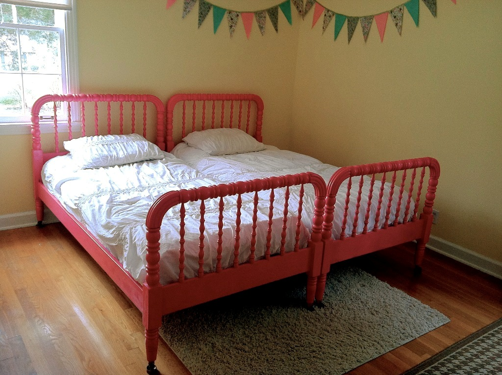 Image of: Jenny Lind Twin Bed Sears