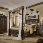 King Canopy Bed Design