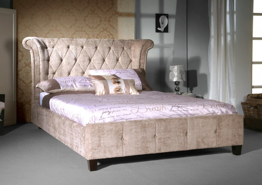 Image of: King Size Upholstered Bed Picture