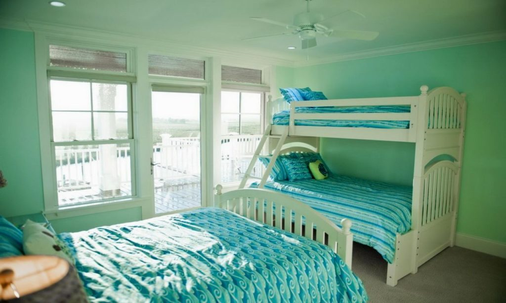 Image of: Mint Green And Coral Bedroom Ideas