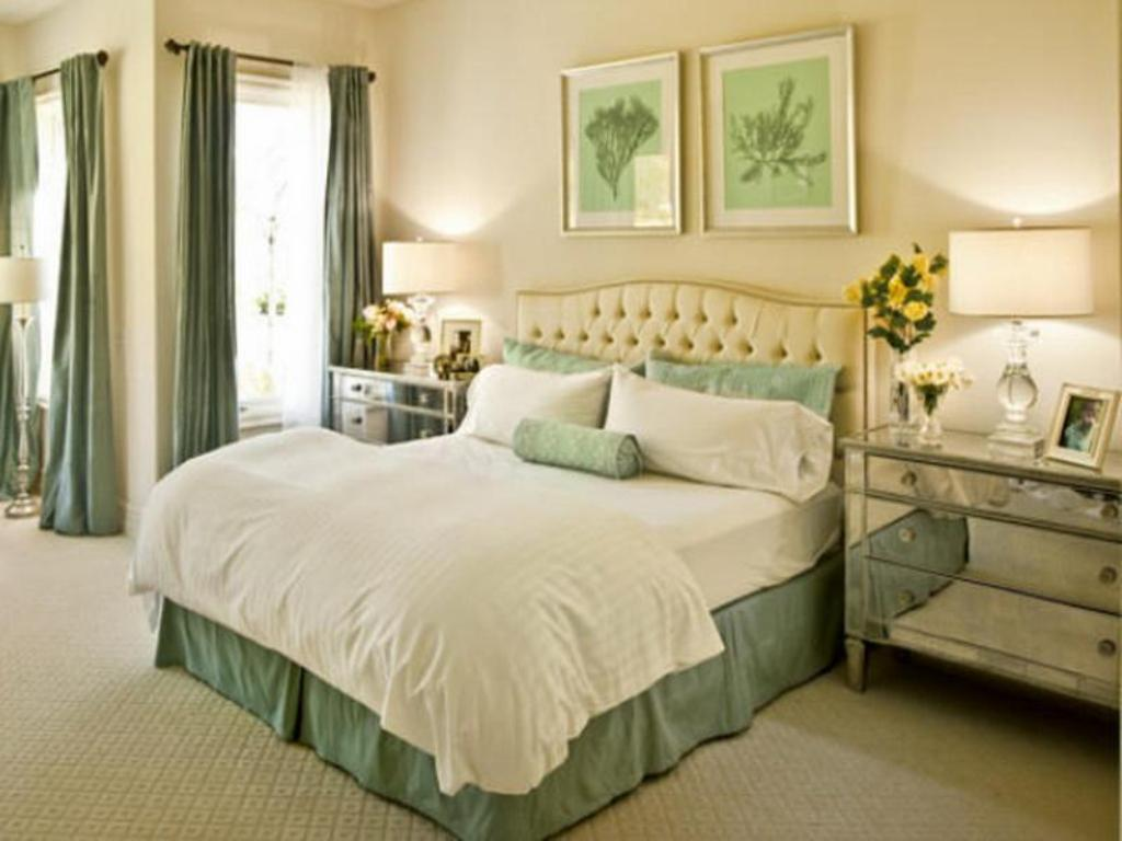 Image of: Mint Green Bedroom Decorations