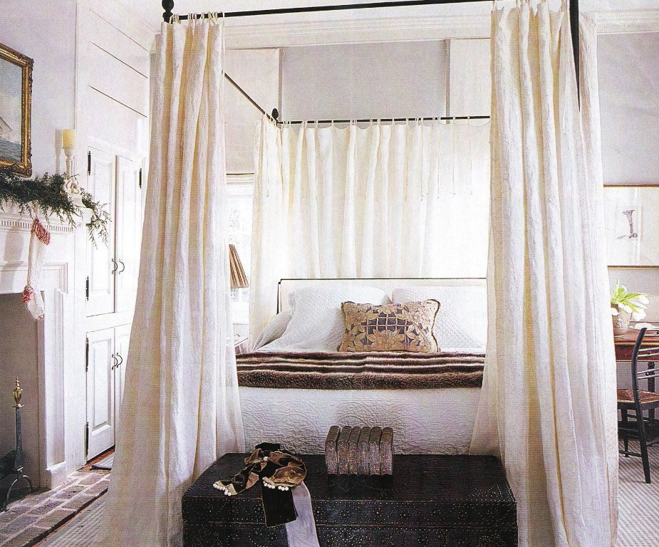 Stylish King Size Canopy Bed