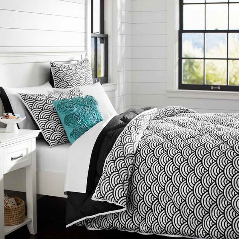 Image of: Teen Girls Bedding Black And White