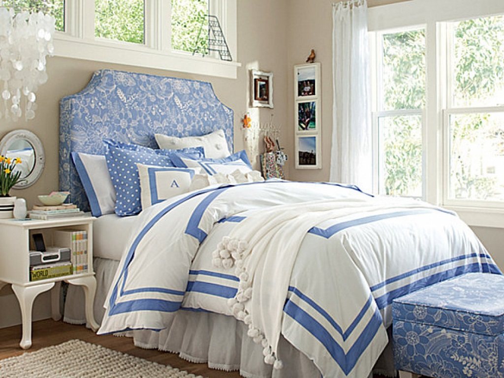 Image of: Blue Brown And White Bedroom Ideas