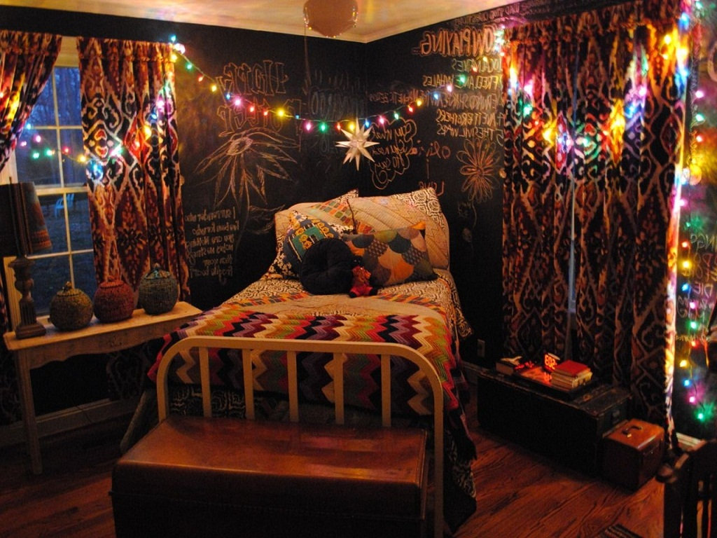 Image of: Bohemian Bedroom Ideas On a Budget