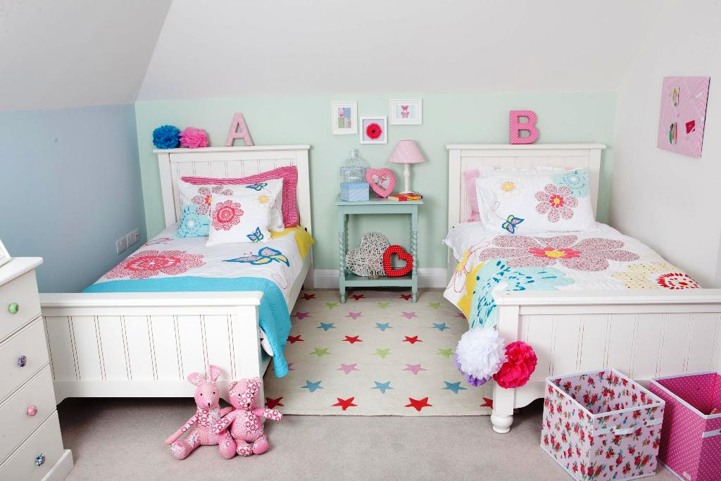 Image of: Cute Twin Beds For Toddlers