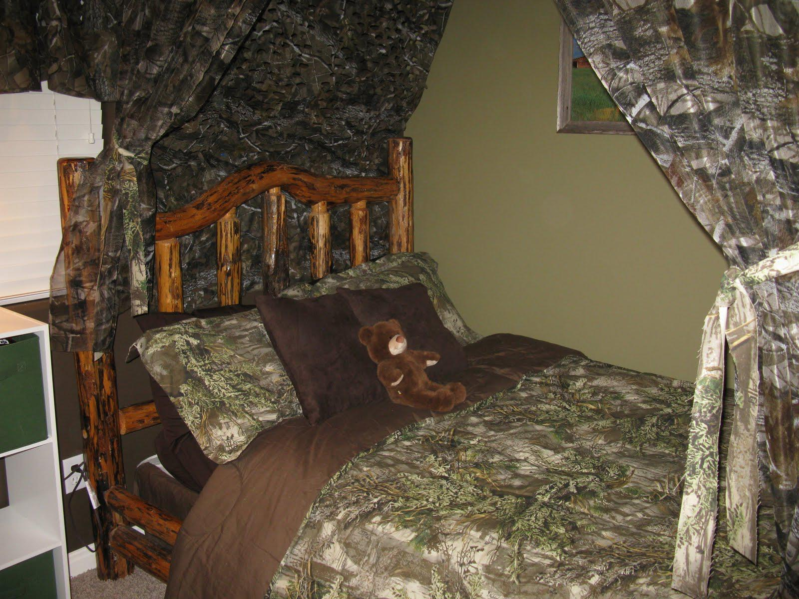 Image of: Hunting Camo Bedroom Ideas