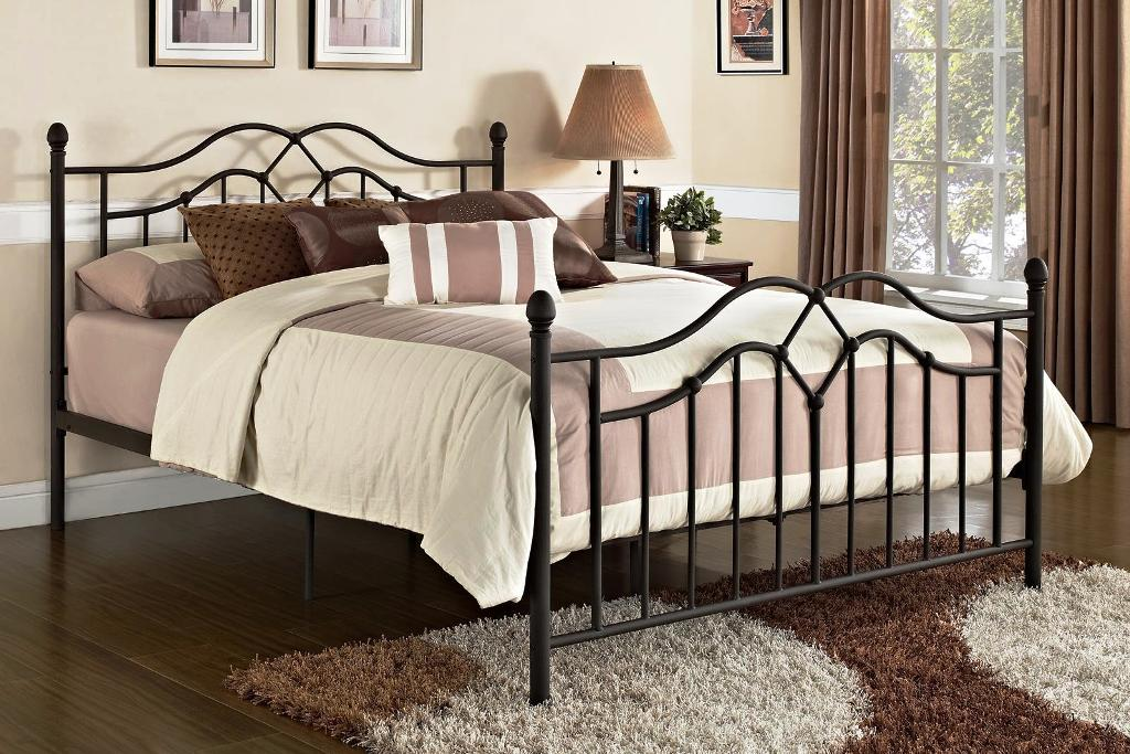 Image of: Queen Size Metal Bed Frame For Headboard And Footboard