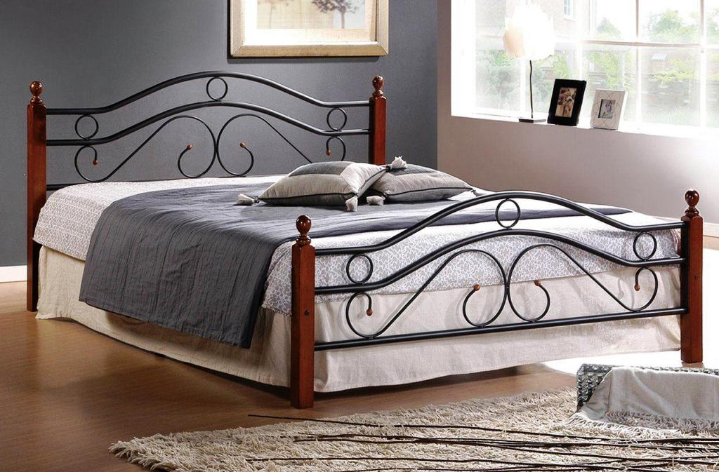 Image of: Queen Size Metal Bed Frame With Brackets For Headboard And Footboard
