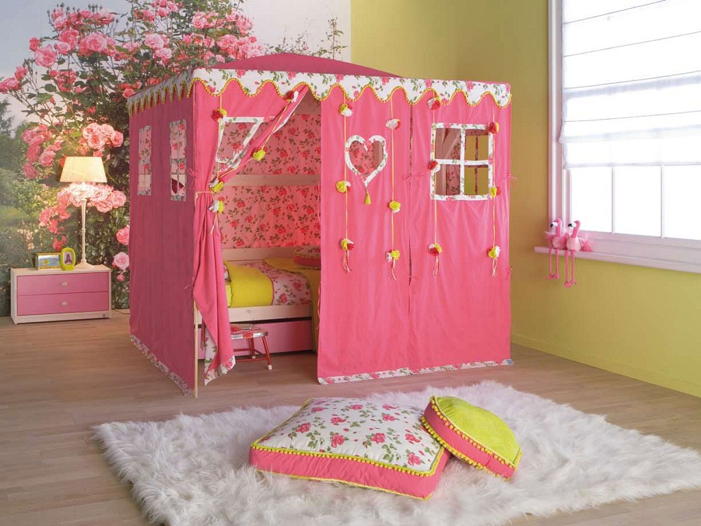 Image of: Toddler Girl Bedroom Decorations